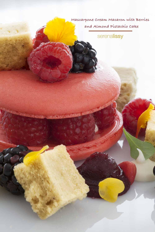 Mascarpone_Cream_Macaron_With_Berries_Vertical
